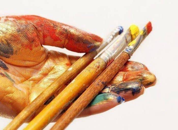 Как правильно хранить кисти для живописи?