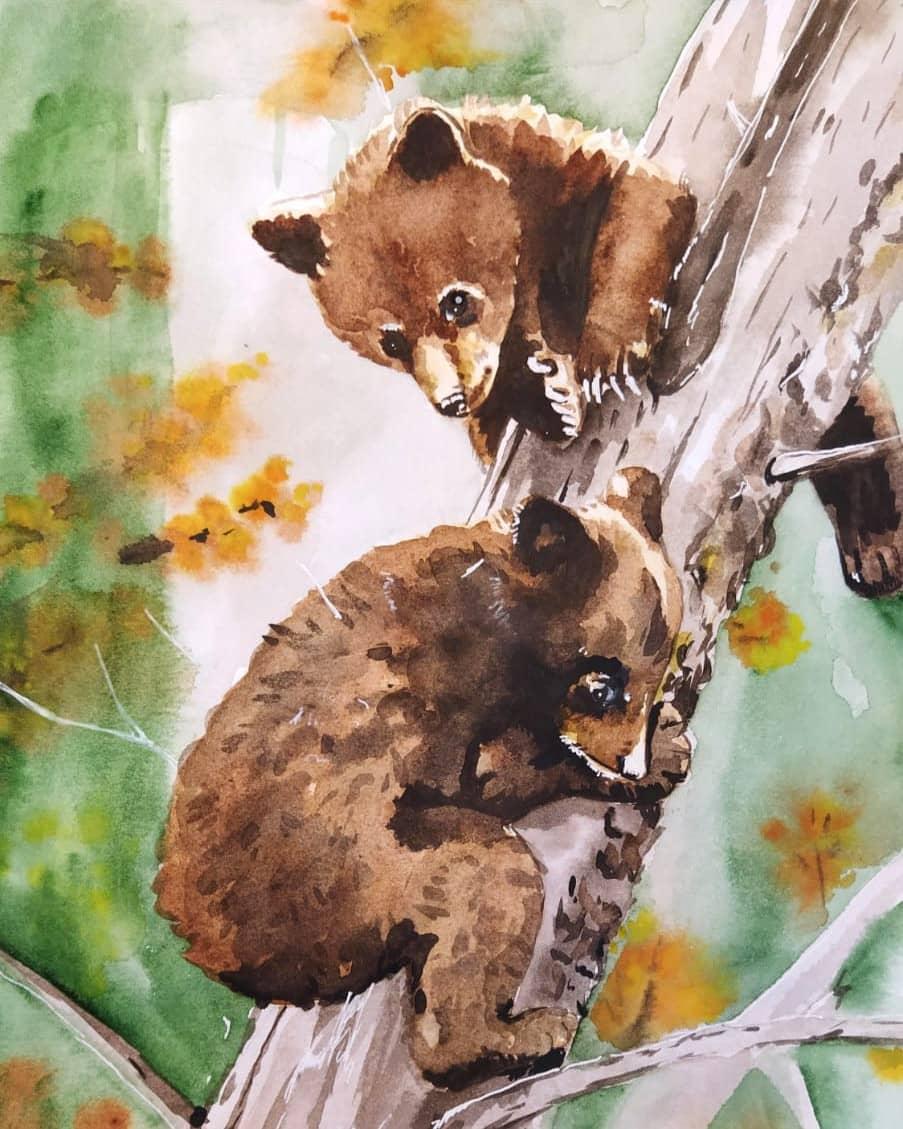 Медвежата в осеннем лесу